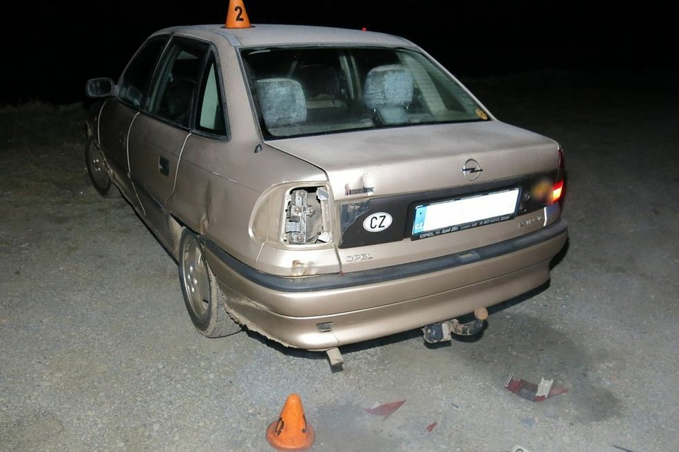Nehoda BMW a opelu v Kralicích