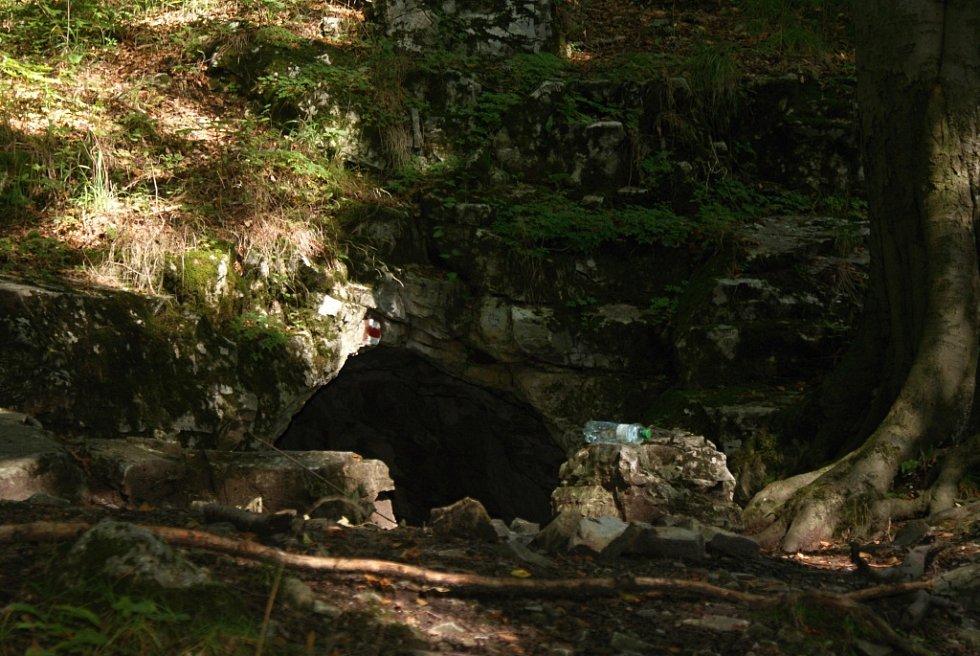 Jeskyně Průchodnice kousek od Konice