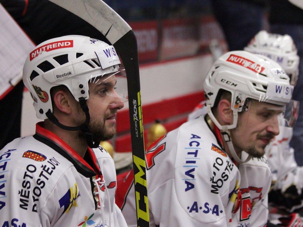 Prostějovští hokejisté se v sobotu na domácím ledě utkali s lídry první ligy kladenskými Rytíři. Jakub Čuřík a Patrik Moskal