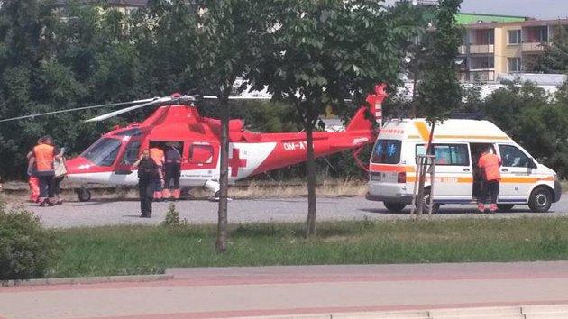 Záchranáři zasahovali v pátek  v Olomoucké ulici. Chlapec zde vypadl z okna.