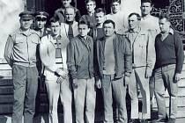 Příslušníci Armádního sportovního družstva parašutismu den před havárií 20. září 1972.