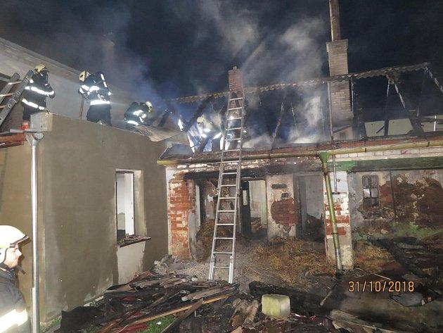 Požár rodinného domu v Seničce
