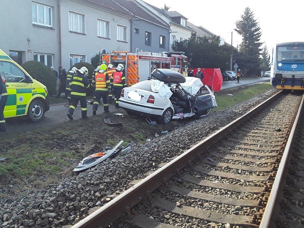Nehoda vlaku s osobním autem v Kostelci na Hané - 25. 12. 2021