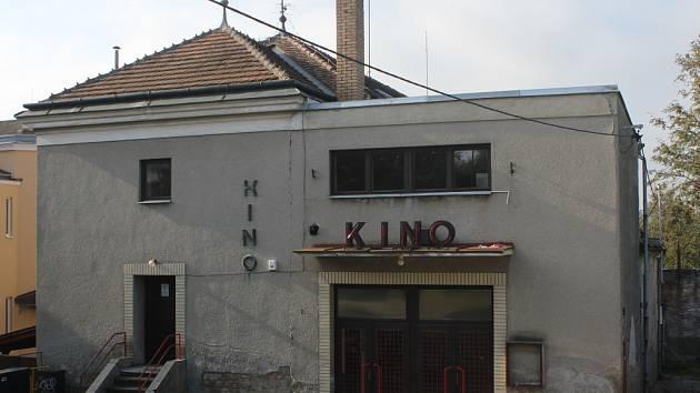 Chátrající budova kina v Konici
