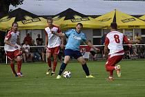 Fotbalisté Kostelce (v bílém) vstoupili vítězně do nového ročníku I.A třídy, porazili rezervu 1.HFK 3:1. 8.7. 2021