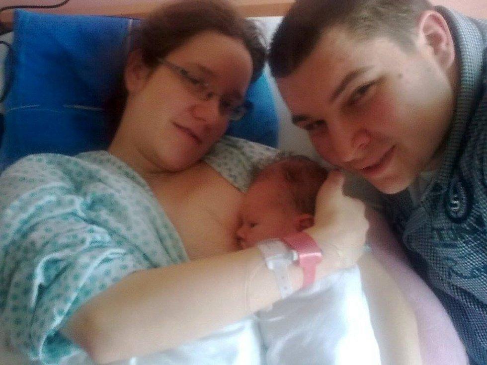 Kateřina Karásková s rodiči, Prostějov, narozena 27. ledna, 48 cm, 3150 g