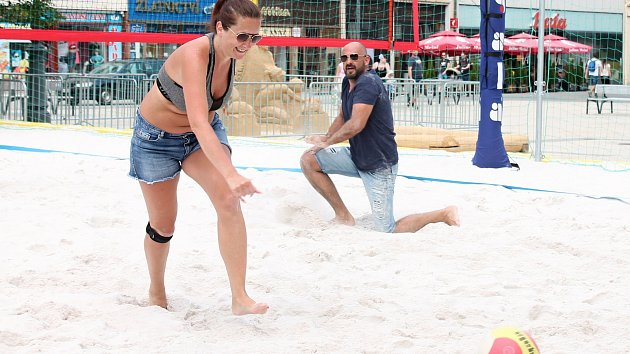 Beach volejbalový turnaj facebookové skupiny Prostějov bez cenzury