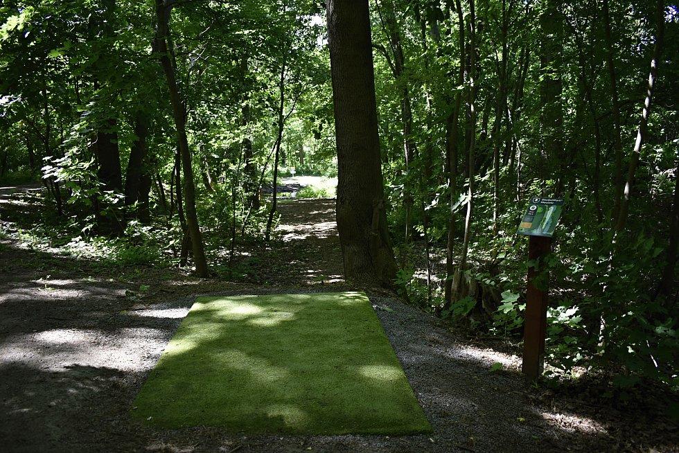 Otevření discgolfového hřiště u Hloučely v Prostějově. 1.6. 2020