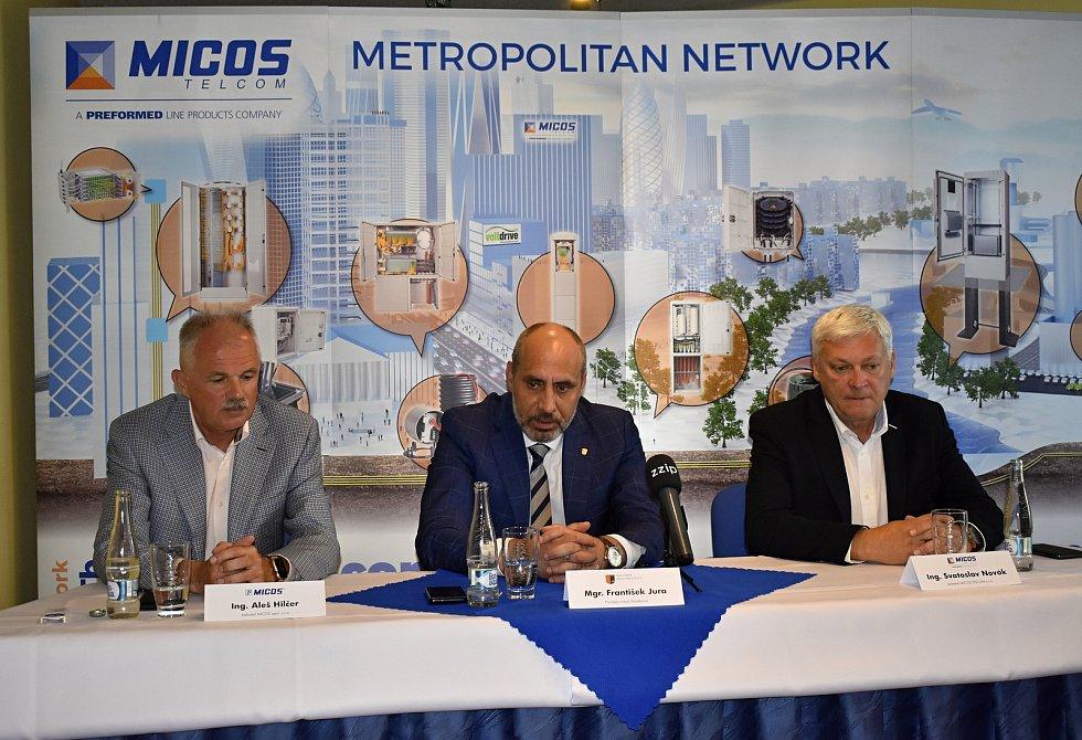Prostějovská firma MICOS slaví 30 let od svého založení.