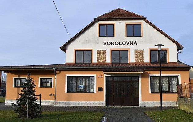 Vrchoslavice a místní část Dlouhá Ves tvoří obec svíce než šesti stovkami obyvatel.