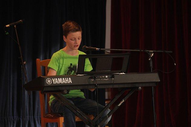 Šestnáctý ročník Kladeckého kosa v kulturním domě v Jesenci