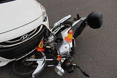 Nehoda 17leté řidičky motorky u prostějovského aquaparku