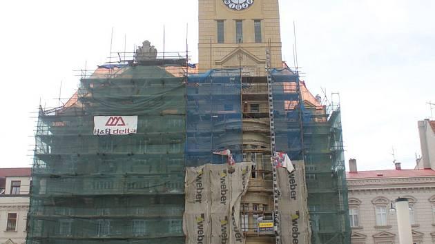 Prostějovská radnice prochází dlouhou a náročnou rekonstrukcí. Představitelé města však trvají na tom, že do hodů budou práce hotové