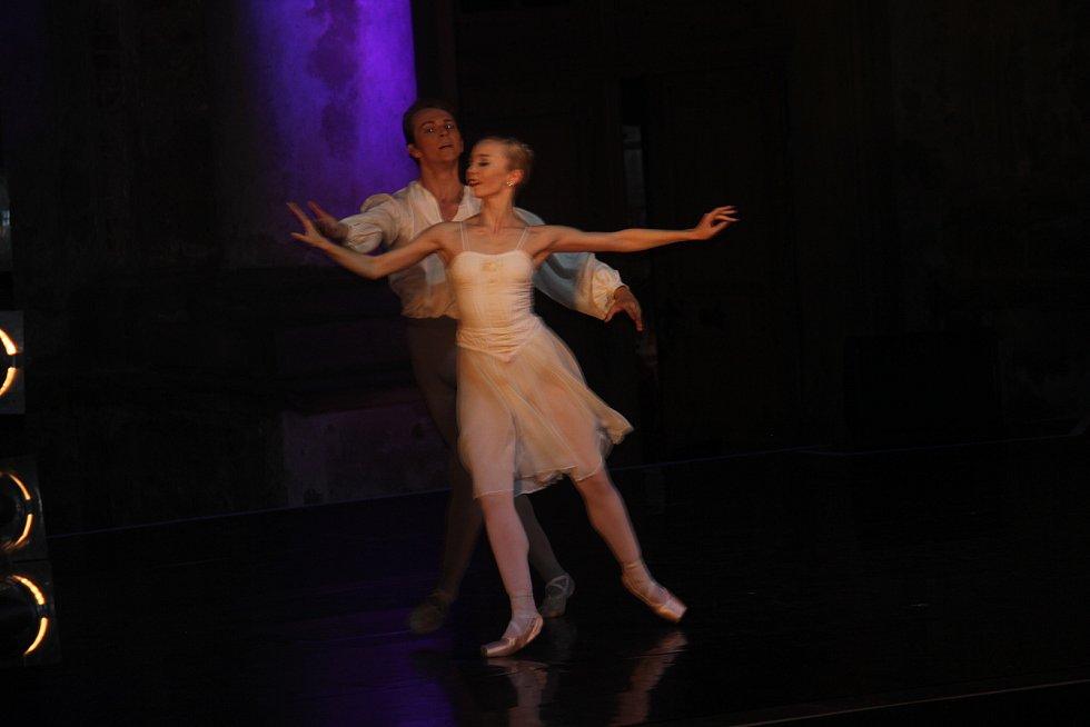 Na zámku v Plumlově vystoupilo se svým baletním vystoupením Moravské divadlo v Olomouci