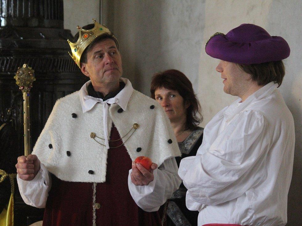 Na Plumlovském zámku se ponořili do světa pohádek. V hlavních rolích tentokrát princezna, princ ale také čarodějnice či drak.