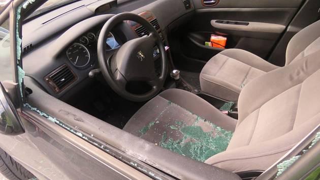 Řidiči od dvou nehod ujeli, nyní jim hrozí trest.