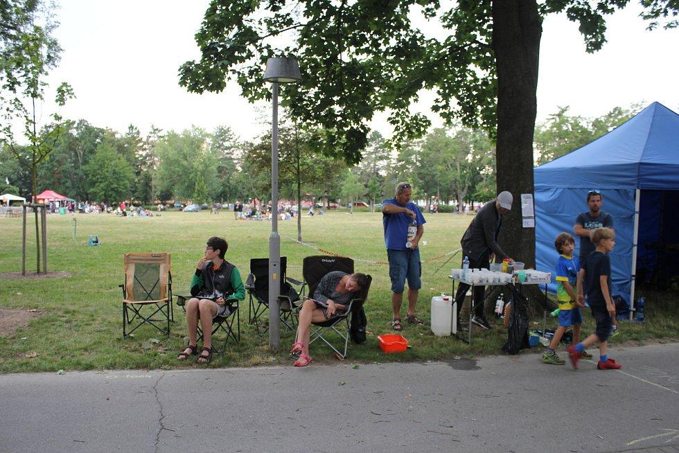 Na čtvrtý ročník charitativního běhu dorazilo šedesát běžců.