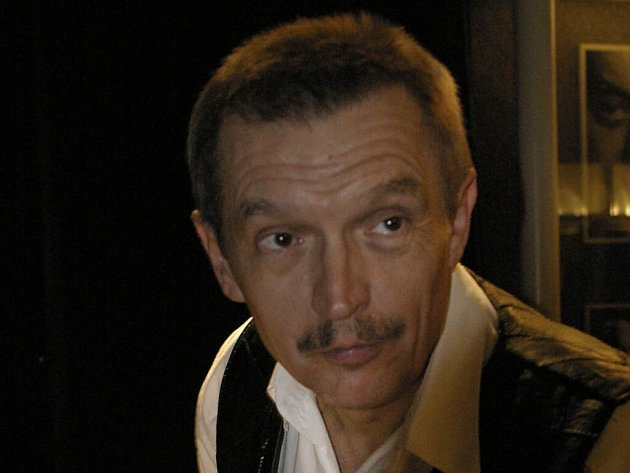 Emil Viklický pravidelně hrává po celém světě. V pondělí zavítal i do Prostějova.