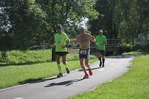 Na sportovce čekalo v parku šestihodinové běhání.