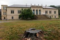 Rekonstrukce zámku v Čechách pod Kosířem