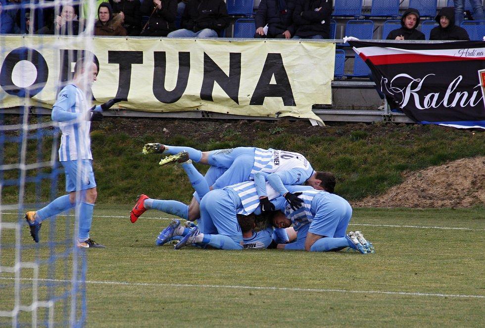 Fotbalisté Prostějova (v modro-bílém) remizovali s Ústím nad Labem 1:1.