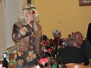 Maškarní bál v Seloutkách na téma 70. a 80. let