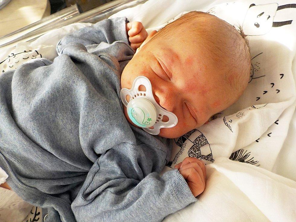 Václav Mandovec, Vyškov, narozen 1. března 2021 v Prostějově, míra 52 cm, váha 3650 g