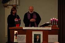 Rozloučení s Václavem Havlem se v prostějovském husitském kostele neslo v pátek v duchu vzpomínek a modlitby.