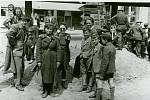 Příslušnice Rudé armády převzali v Prostějově úkoly dopravní policie a řídily provoz na křižovatkách.