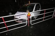 Mladá řidička bourala u hlavní pošty v Prostějově.