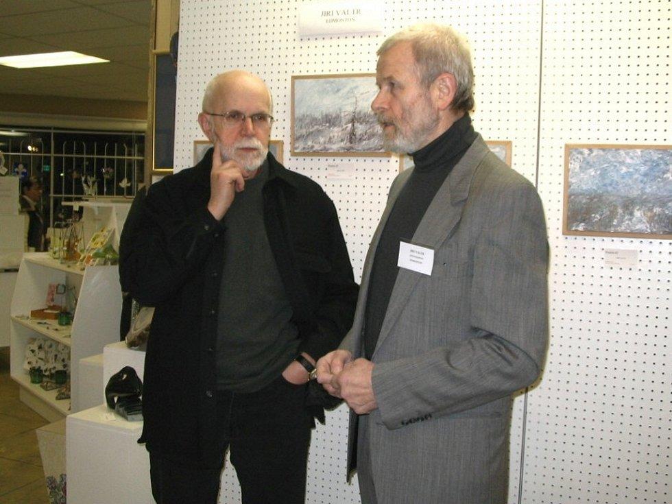 Dr. Harold Pearse s Jiřím Valtrem.