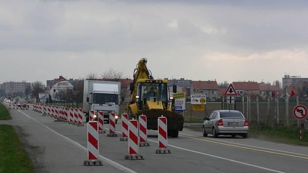 Doprava v tomto úseku bude svedená do jednoho pruhu po dobu čtyř až pěti měsíců.