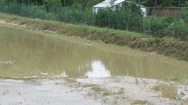 Mezi oblasti nejvíce postižené přívalovými dešti spojenými místy i s krupobitím patří Němčice nad Hanou a okolí, Smržice a Držovice.