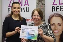 Ženou regionu 2014 pro Olomoucký kraj se stala majitelka kozí farmy Rozinka Jarmila Zelenská z Čelechovic na Hané (vpravo)