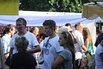 Víkendové hodové slavnosti v Prostějově přilákaly v neděli stovky lidí. Pestrý program i zajímavá nabídka stánkařů, očerstvení, kolotoče i jiné atrakce tvořily jako každoročně zdejší hodovou náladu.