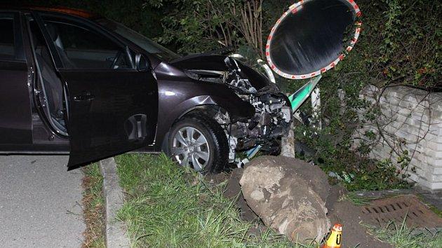 Havárie opilé řidičky v Brodku u Prostějova