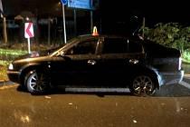 Opilý šofér boural u kruhového objezdu před Domamyslicemi