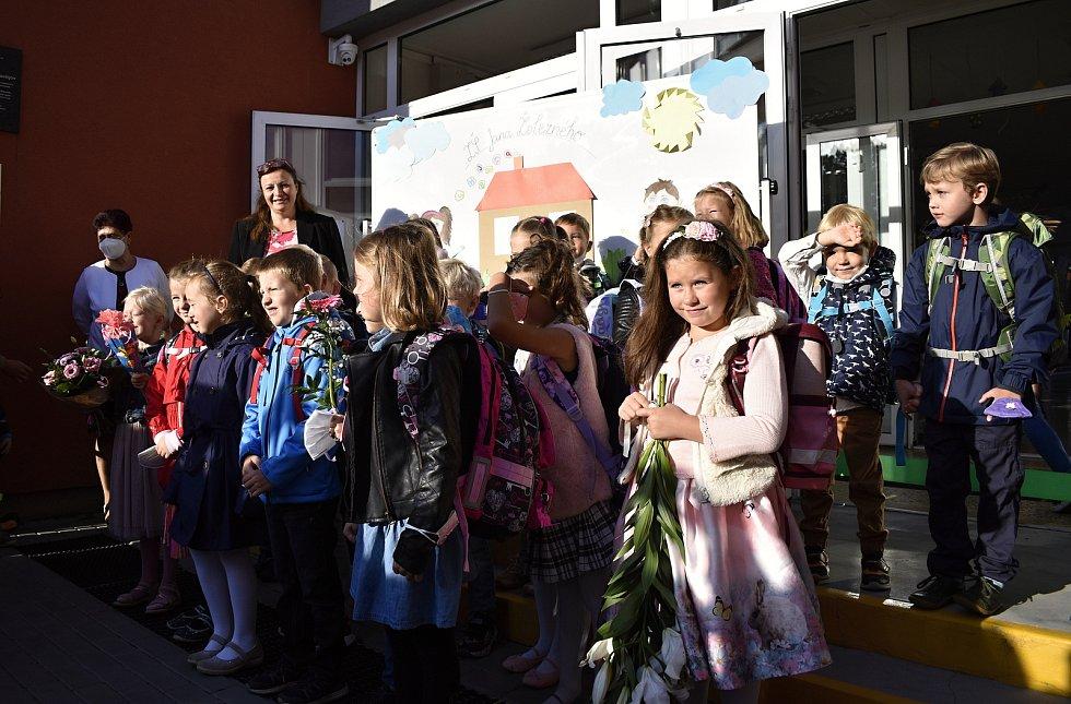 První školní den na prostějovské ZŠ Jana Železného, 1.9. 2021
