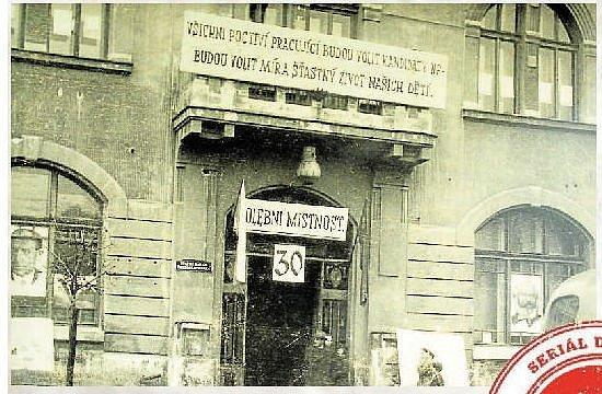 ROK 1954. Volební místnost v Litovli.