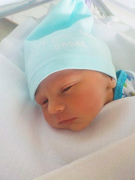 Vojtěch Peterka, Smržice, narozen 26. března 2021 v Prostějově, míra 45 cm, váha 2150 g