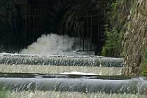 Upouštění plumlovské přehrady, řeka Hloučela - 27. 6. 2020