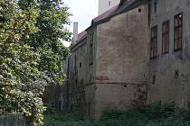 Výklenek nízkého zámku v Plumlově, ve kterém Petr přespával