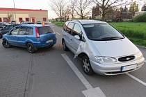 Nehoda při couvání  u obchodního domu v Okružní ulici v Prostějově