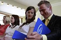 Předávání maturitních vysvědčení v Národním domě v Prostějově