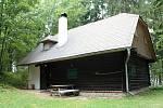 Himmlerka. Někdejší lovecká chata v lesích nad Milkovem nedaleko Bouzova