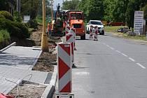 Stavba chodníku v Plumlově - od bývalého kina ke hřbitovu - 26. 5. 2021