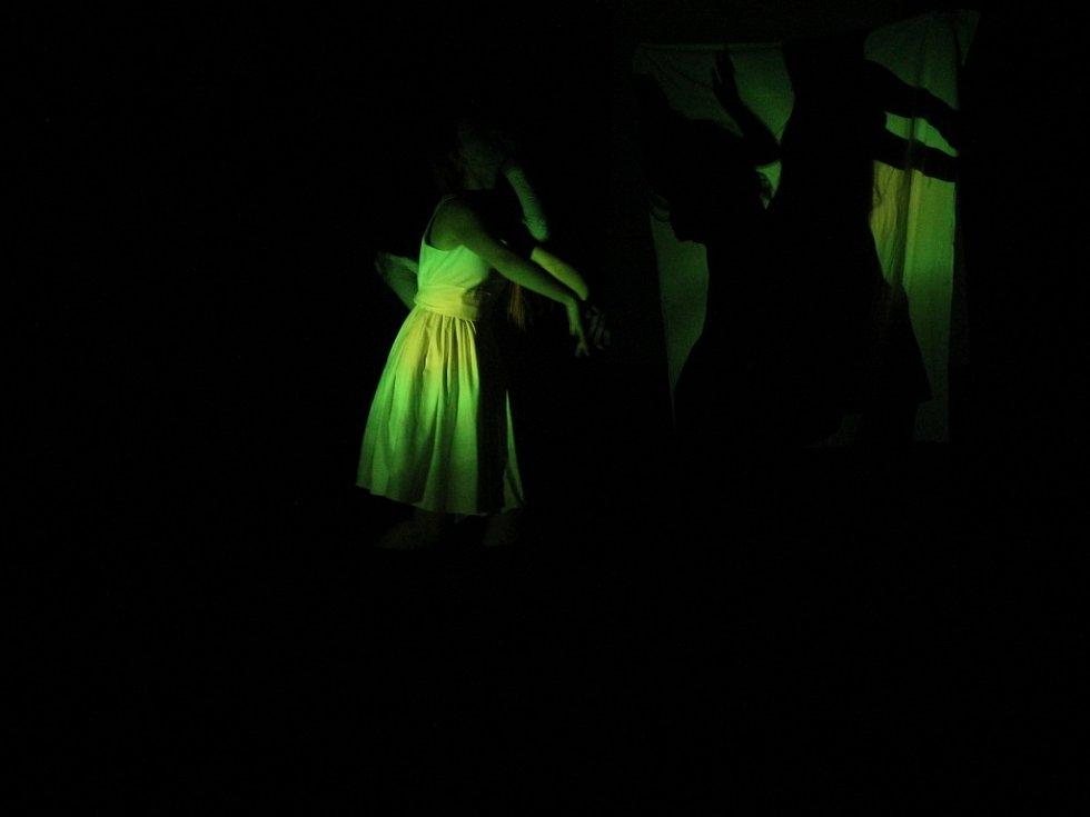Vernisáž výstavy Světlo Školy tvořivého myšlení Mirky Brázdové.