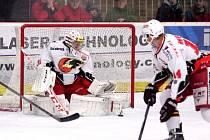 Prostějovským hokejistům se podařilo odskočit poslednímu Havlíčkovu Brodu o pět bodů v tabulce první ligy, když v sobotu na domácím ledě porazili Most 4:3.