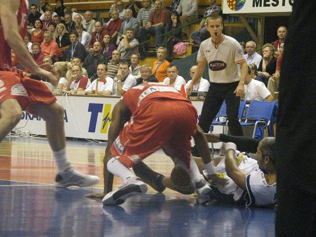 BK Prostějov – ČEZ Basketball Nymburk 74:96