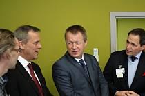 Ministr zdravotnictví Svatopluk Němeček na návštěvě nemocnice v Prostějově